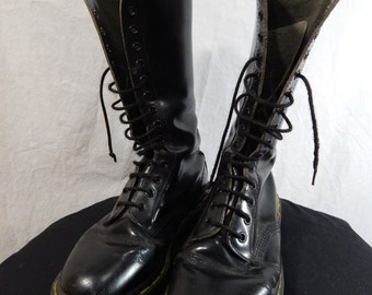 Black Leather DOC MARTIN BOOTS 14 Eyelet size 7us or 5uk Made in England