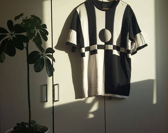 Black and White Geometry Top Jersey Vintage and Preloved; worn, in excellent condition Size 10