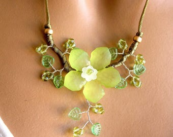 Green Flower necklace spring summer