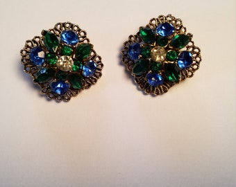1950s Lisner Blue and Green Rhinestone Clip On Earrings