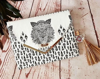 Sakuro Clutch PDF Sewing Pattern Leather and Fabric