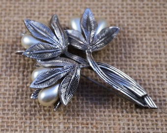 Tortolani Antiqued Pewter Silver and Faux Pearl Flower Bouquet Brooch Pin