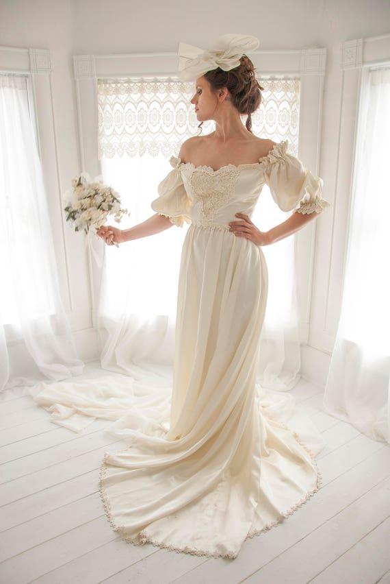 Vintage ivory satin wedding dress off-shoulder puffed short