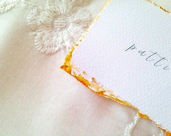 Marque-places, cartons, or peints, papeterie de mariage bordure frangée de mariage bordée d'or
