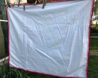 Vintage White Nubby Muslin Tablecloth with Hand Crochet Red and Pink Trim