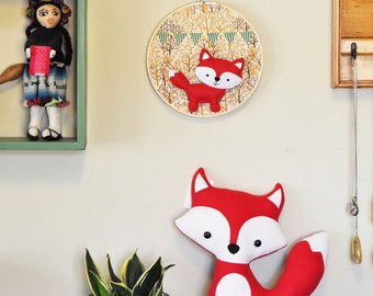 Party Fox in the Forest Wall Hanging - Embroidery Hoop