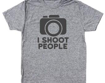 I Shoot People Funny Camera Photographer Kit Humor Lens Men's Tri-Blend T-Shirt DT1111