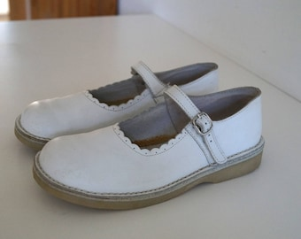 Vintage White Genuine Leather Shoes Vintage Girls Shoes Comfortable Girls Sandals EUR 34 UK 2 US 4,5  Mary Janes Ballet Flats Made in France