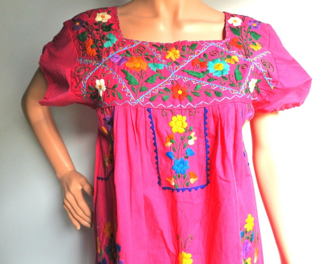 Traditional mexican dress women