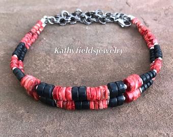 Red spongylus shell / black onyx choker
