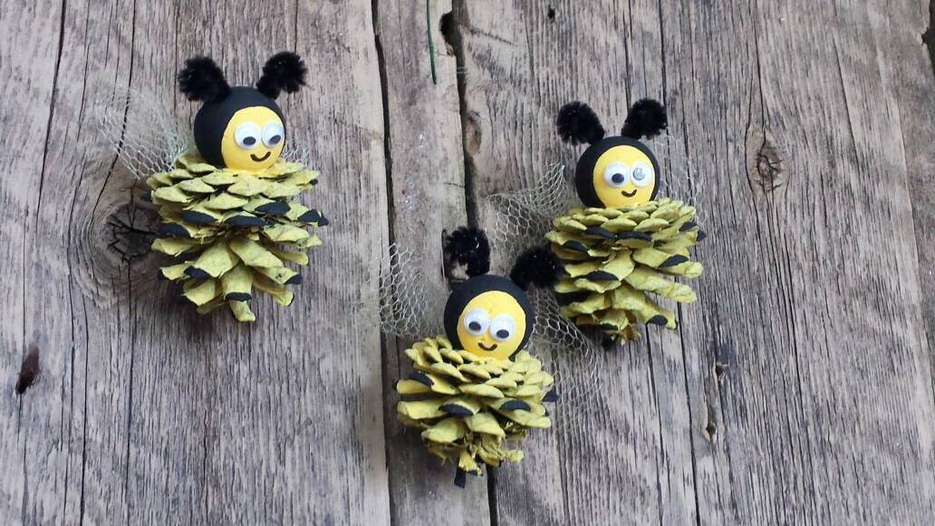 Pine Cone Bee Ornaments Bumble Primitive Country
