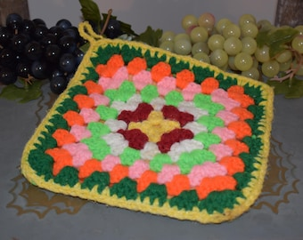 Crotchet Hot Pad/ Oven Mitt/ Crotchet Hot Pads Vintage/ Yarn Hot Pads/ Orange and Green Hot Pads/ Country Hot Pads Handmade/ Yarn Oven Mitts