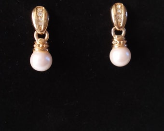 Vintage Avon Pearl Stud Earrings