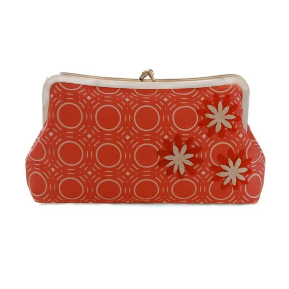 Red clutch purse, Red floral clutch, Geometric clutch, Handmade red purse, Red fabric clutch, red evening bag, Metal frame purse, Red Purse