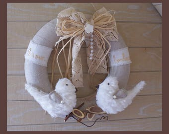 Crown made of linen with birds in little white fur