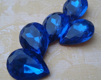 Vintage 25x18mm Capri Blue Pear/Teardrop Gold Foiled Pointed Back Glass Jewel (1 piece) 1088-CB