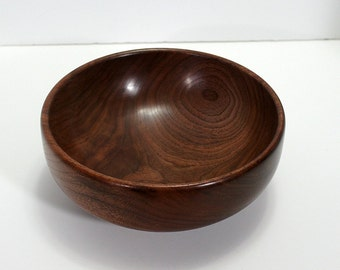Bowl, walnut
