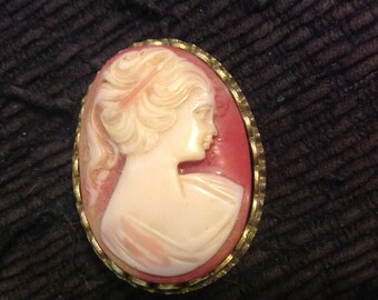 "Vintage Coro cameo brooch pin goldtone peach 1 1/4"" by 1 3/4"""