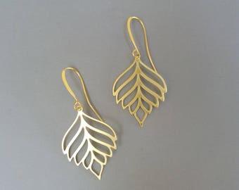 Leaves Earrings, Leaf Earrings, Gold Dangle Earrings, Modern Jewelry, Dangle Earrings, Gold Leaf Earrings, Nature Inspired Earrings, Dainty