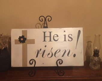 He is risen! Signs for Easter. Easter signs. Easter decor Distressed Easter sign. Rustic signs. Rustic decor. Primitive decor. Easter decor.