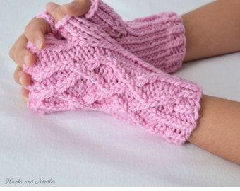 Little Celtic Gloves Knitting Pattern