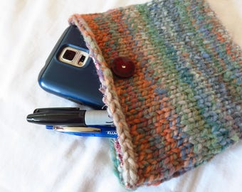 Right 'Round Clutch - Handspun, handknit pouch