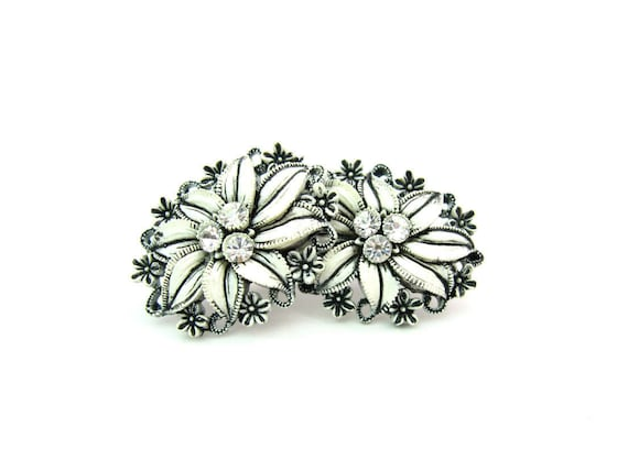 Vintage White Edelweiss & Rhinestone Flower Earrings. Featherweight Celluloid, Bubbleite