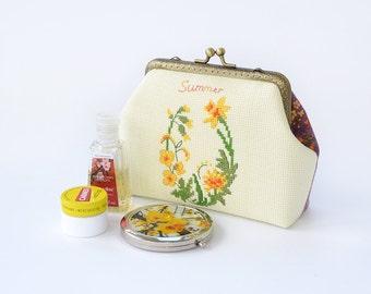 Embroidered purse Kisslock purse frame Make up organizer Floral metal frame purse Kisslock handbag Cosmetic  bag Makeup pouch Cross stitch
