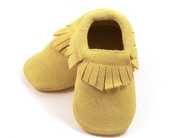 Yellow baby mocs, baby leather shoes, baby mocs, gold moccasins for baby girls, crib shoes, slippers, baby shower gift,