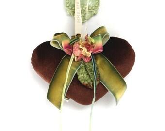 Brown velvet heart sachet with velvet flowers