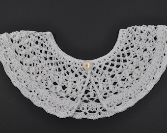 crocheted in Mercerized cotton white Peter Pan collar