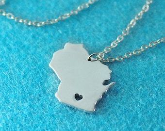 Wisconsin Pendant,I heart Wisconsin Necklace,Custom Wisconsin Necklace, State Map Jewelry, Personalized Silver Pendant ,Map Jewelry
