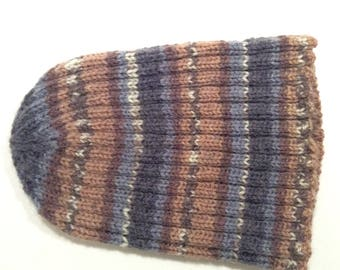 Hand knitted seamless hat