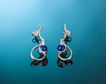 Silver earrings AINE118A. Light silver earrings.