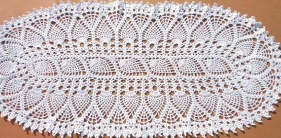 Oval crochet table runner oval crochet doily pineapple - Napperon crochet chemin de table ...