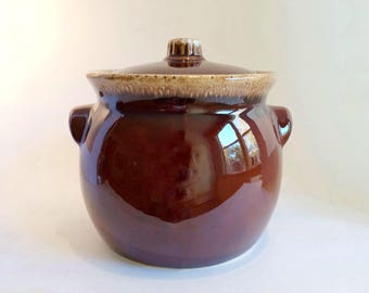 Hull Bean Pot Brown Drip Vintage 1960s Ovenproof Cookware with Lid  Collectible Kitchen Decor Cookie Jar