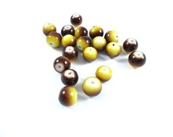 20 round yellow and brown glass beads 8mm spray painted