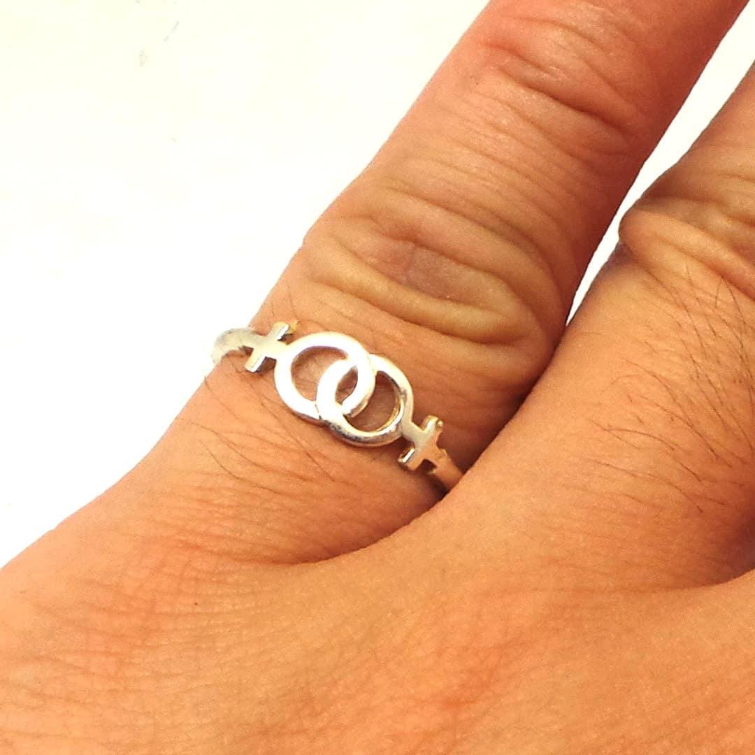 Lesbian LGBT Interlocking Silver Ring Lesbian wedding gift