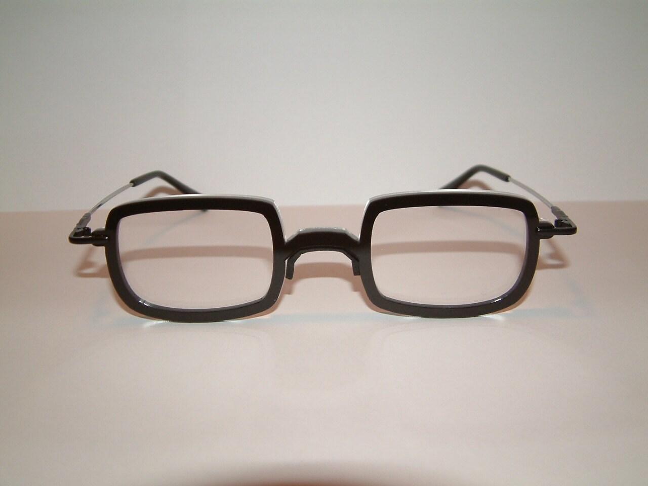 Anime black downward D frame cosplay costume glasses