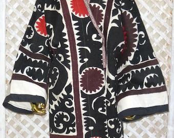 original vintage mint condition natural colored silk hand embroidered jacket Uzbek chapan kaftan light coat animal suzani style 597 mit3J8Q
