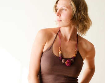 Classic Nursing Necklace by KangarooCare  - cherry red & chocolate brown, Europe