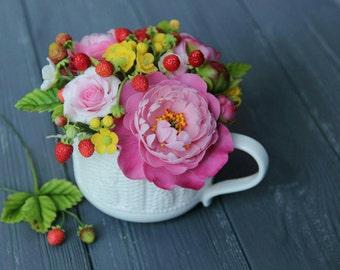 peony centerpiece, room flower decore, cold porcelain, wedding peony, housewarming gift, strawberry arrangement, strawberry gift, birthday