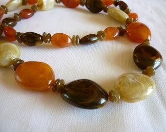 Faux Agate Lucite Necklace, One Strand Lucite Bead Necklace