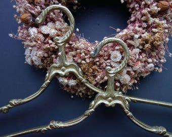 Nr. 5   Antique Brass clothes Hanger Vintage coat Hanger French wedding dress hanger  2x    18.01.18