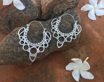 Earings Tribal from India Minimalist design Boho Boheme Chic Love Om Lila Indy Love jewellery Summer Free