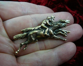 Race derby riders Horse pin pendant horses lover heart wild stallion love Victorian brass brooch B-HORSE-251