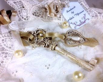 Unique wedding favors for guest, rustic wedding, key ornament, rustic decor, destination wedding, country wedding, skeleton key, vintage