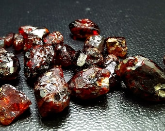 110.60  Natural & Unheated Red Brown Chondrodite Rough Stone Lot