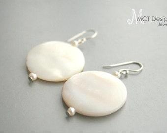 White coin shell earrings - SHELL