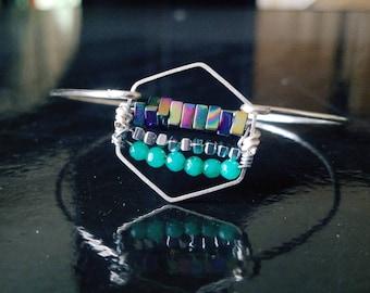 Modish Motif- Silver Geometric Gemstone Bracelet